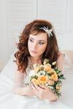 Manhã do ` s da noiva do boudoir Fotografia de Stock Royalty Free