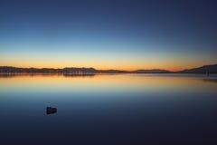 A manhã dos elsinore do lago Imagens de Stock Royalty Free