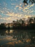 A manhã dourada reflete Foto de Stock Royalty Free