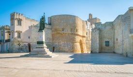 Manhã ensolarada em Otranto, província de Lecce na península de Salento, Puglia, Itália imagens de stock royalty free
