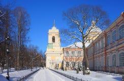 Manhã ensolarada gelado em Alexander Nevsky Monastery fotografia de stock