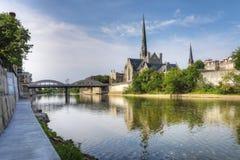 Manhã ensolarada pelo rio grande em Cambridge imagens de stock