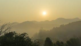 Manhã fantástica do nascer do sol fotos de stock royalty free