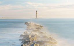 Manhã mágica acima de Morris Island Lighthouse fotos de stock royalty free