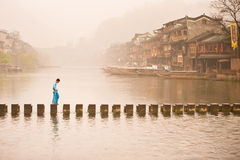 Manhã na cidade velha de Feng Huang Fotos de Stock Royalty Free