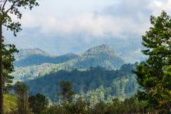 Manhã na paisagem das montanhas Fotos de Stock Royalty Free