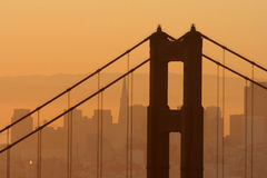 Manhã na ponte de porta dourada Fotos de Stock Royalty Free