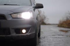 Manhã nevoenta do carro Imagem de Stock