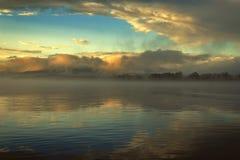 Manhã nevoenta no mar Fotografia de Stock