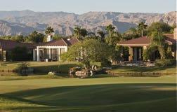 Manhã no campo de golfe Fotografia de Stock Royalty Free