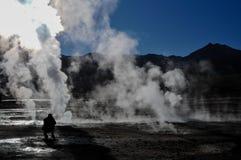 Manhã no EL Tatio do geyser no deserto de Atacama Imagens de Stock Royalty Free