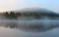 Manhã no lago Ladoga, Carélia, Rússia Foto de Stock Royalty Free