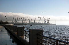Manhã no porto de Baku Fotografia de Stock
