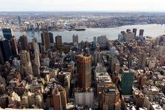 Manhattan-Ansicht Ost in Richtung zu Brooklyn stockbilder