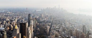 Manhattan beskådade från väldetillståndet Buildig Royaltyfria Bilder