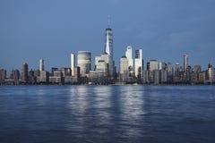 Manhattan bij schemer, New York stock foto's