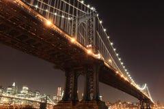 Manhattan-Brücke nachts Lizenzfreies Stockbild