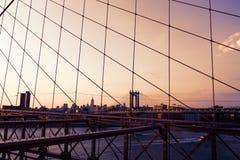 Manhattan-Brücke von der Brooklyn-Brücke New York Stockbilder
