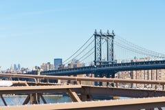 Manhattan-Brücken- und -Skylineansicht von der Brooklyn-Brücke Stockfoto