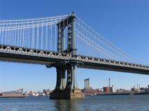 Manhattan-Brücken-Westkontrollturm und Brooklyn, Landschaftsansicht Lizenzfreies Stockbild