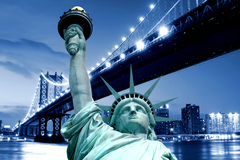 Manhattan Bridge and The Statue of Liberty Royalty Free Stock Images