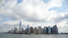 Manhattan del centro dalla baia Fotografia Stock Libera da Diritti