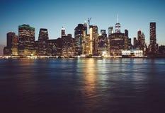 Manhattan an der blauen Stunde, New York stockfotografie