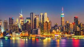 Manhattan dopo il tramonto immagine stock libera da diritti