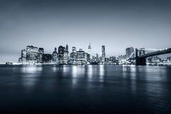 Manhattan e ponte di Brooklyn New York City U.S.A. Vista panoramica Toni di grey blu Fotografia Stock Libera da Diritti