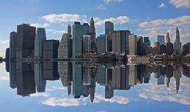 Manhattan en bezinning royalty-vrije stock foto's