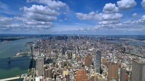 Manhattan för sikt Timelapse för hög vinkel horisont och Hudson River lager videofilmer