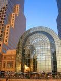 Manhattan finansiellt område på solnedgången från Jersey City Arkivfoton