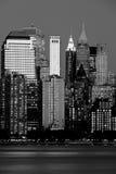 Manhattan-Finanzbezirk am Sonnenuntergang von Jersey Stockfotos