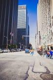Manhattan gata i ett sällsynt ögonblick av låg trafik Royaltyfria Foton