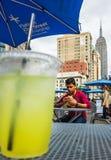 Manhattan gataplats fotografering för bildbyråer