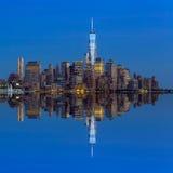 Manhattan horisont från Jersey på skymning Fotografering för Bildbyråer