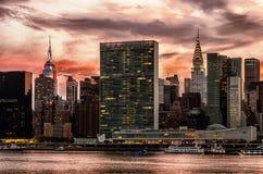 Manhattan horisont med reflexioner, NYC, USA royaltyfri fotografi