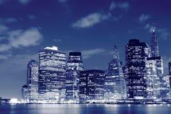 Manhattan horisont på natten, New York City arkivbild