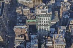 Manhattan; horisont; skyskrapor; sikt från välde; New York oss Arkivbild