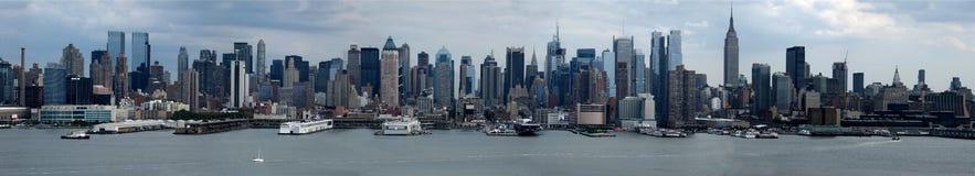 Manhattan horisontpanorama Arkivfoton
