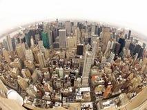 Manhattan i New York City bred vinkelsikt Royaltyfri Bild