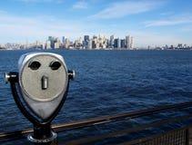 Manhattan-Insel von der Freiheit-Insel Stockfotos
