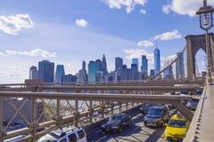 Manhattan linia horyzontu - 1, 2017 - imponująco widok od mosta brooklyńskiego Nowy Jork MANHATTAN, NOWY JORK, KWIECIEŃ - Obraz Royalty Free