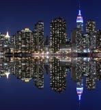Manhattan linia horyzontu Przy nocą, Miasto Nowy Jork Fotografia Stock