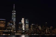 Manhattan linia horyzontu przy nocą, NYC zdjęcia royalty free