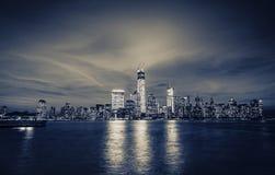 Manhattan linia horyzontu Przy nocą Fotografia Royalty Free