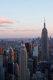 Manhattan linia horyzontu przy zmierzchem Zdjęcie Royalty Free