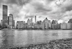 Manhattan linia horyzontu widzieć od Roosevelt wyspy, NYC Obrazy Stock