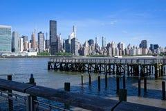 Manhattan linia horyzontu wzdłuż Wschodniej rzeki obraz royalty free