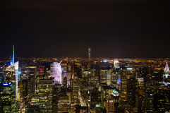 Manhattan, Midtown, Times Square vu de la plate-forme d'observation de l'Empire State Building la nuit Photos stock